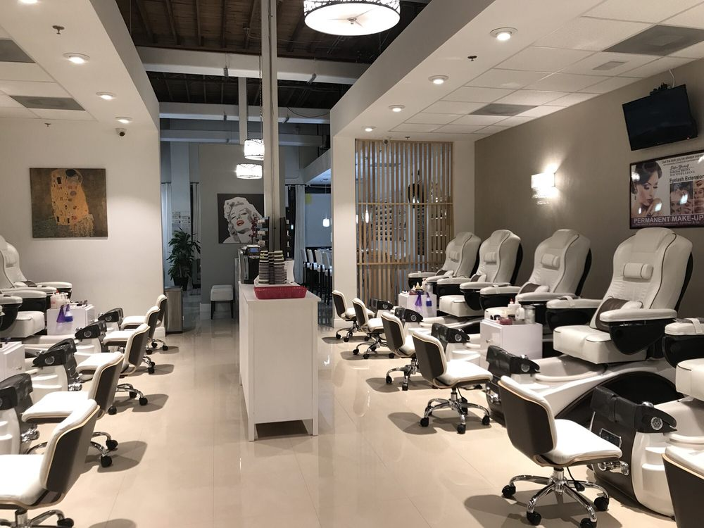 Beautique Nail Salon & Day Spa: 784 N Orange Ave, Winter Park, FL