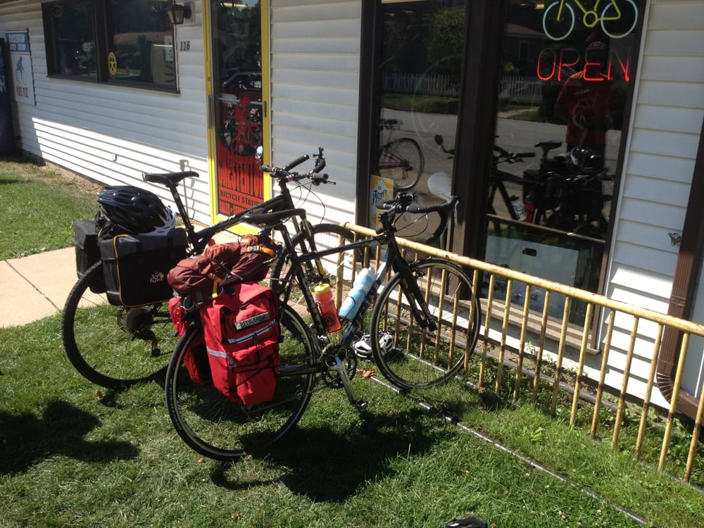 Chesterton Bicycle Station: 116 S 4th St, Chesterton, IN