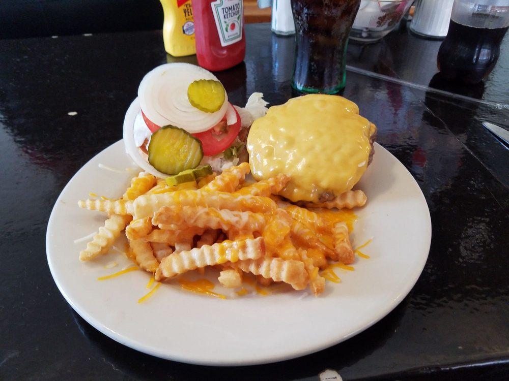 Alice's Restaurant: 125 W Market St, Crawfordsville, IN