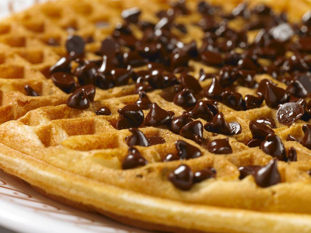 Waffle House: 1302 Scotland Crossing Dr, Laurinburg, NC