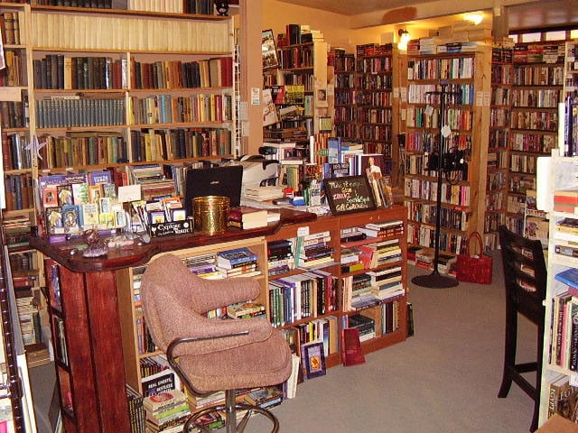 ZBOOKZ New and Used Bookstore: 7901 46th Ave N, St. Petersburg, FL