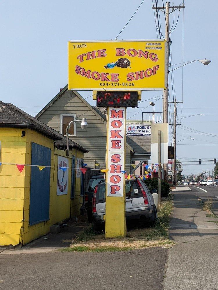 The Bong Smoke Shop: 225 Lancaster Dr SE, Salem, OR