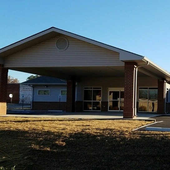 Mulberry Family Clinic: 421 N Main St, Mulberry, AR