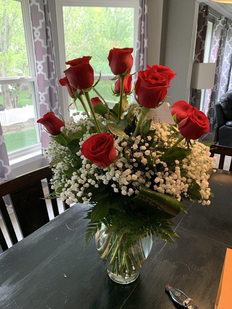 Schnucks Floral - Dardenne: 3029 Hwy K, O'Fallon, MO