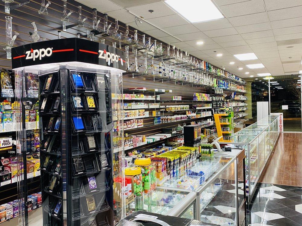 Smoke Hut: 4216 Merchant Plz, Woodbridge, VA