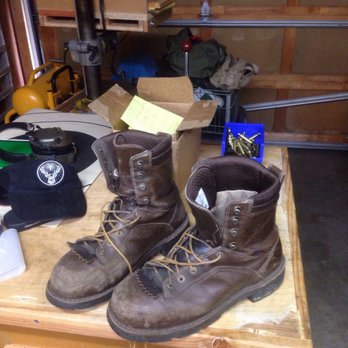 Danner - 45 Photos & 36 Reviews - Shoe Stores - 12021 NE Airport ...