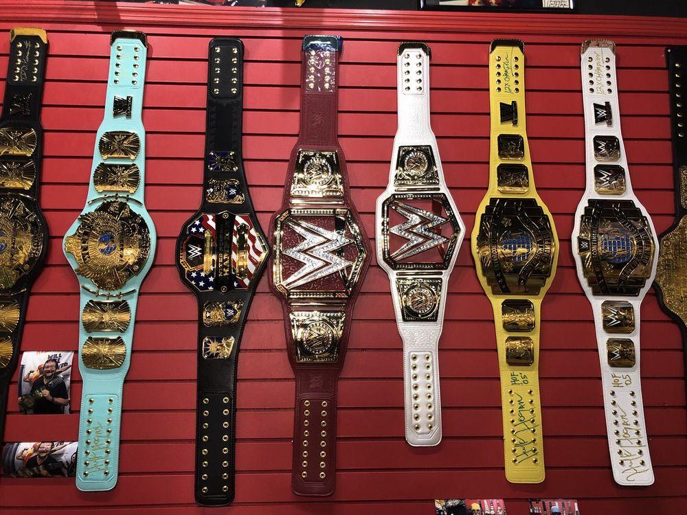 Hogan's Beach Shop: 483 Mandalay Ave, Clearwater, FL