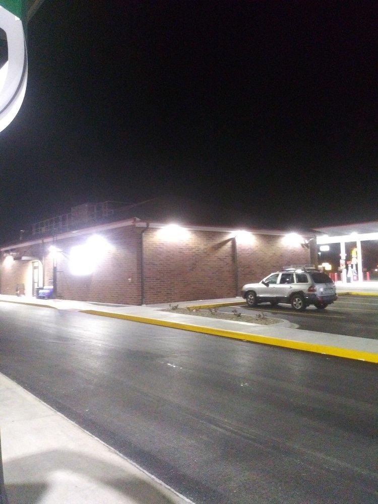 Speedway: 991 Ann Rutledge Dr, Williamsville, IL