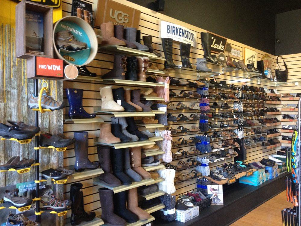 Nelson's Footwear: 1949 Montgomery St, Oroville, CA