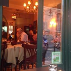 Piccola Strada - Paris, France. Super restaurantje op een superligging ! Zelfs 's avonds is er een menuutje beschikbaar van €12 , en is zelfs overheerlijk !