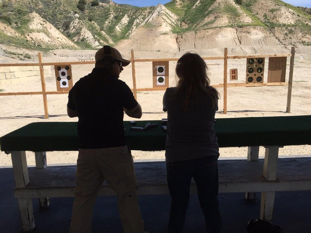Shootsocal firearms training 55 photos 43 avis for 12651 little tujunga canyon lake view terrace ca 91342
