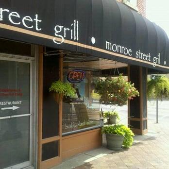 Monroe street grill closed 15 photos 19 reviews for Cuisine 1300 monroe mi