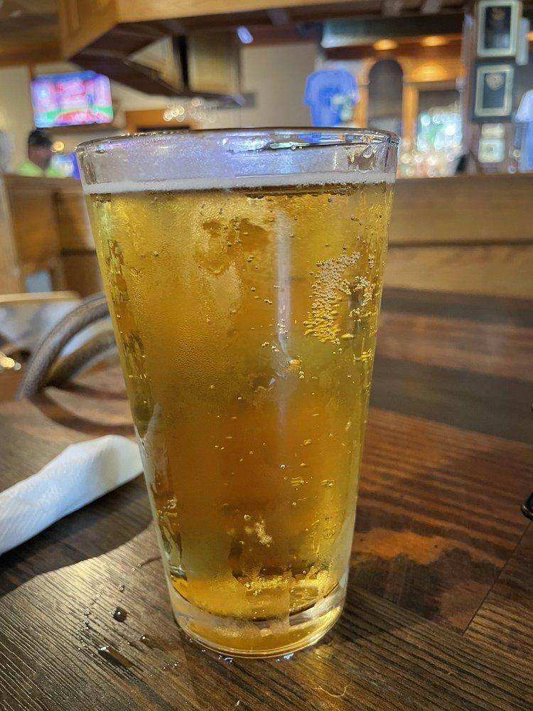 Philo Tavern: 101 W Washington St, Philo, IL