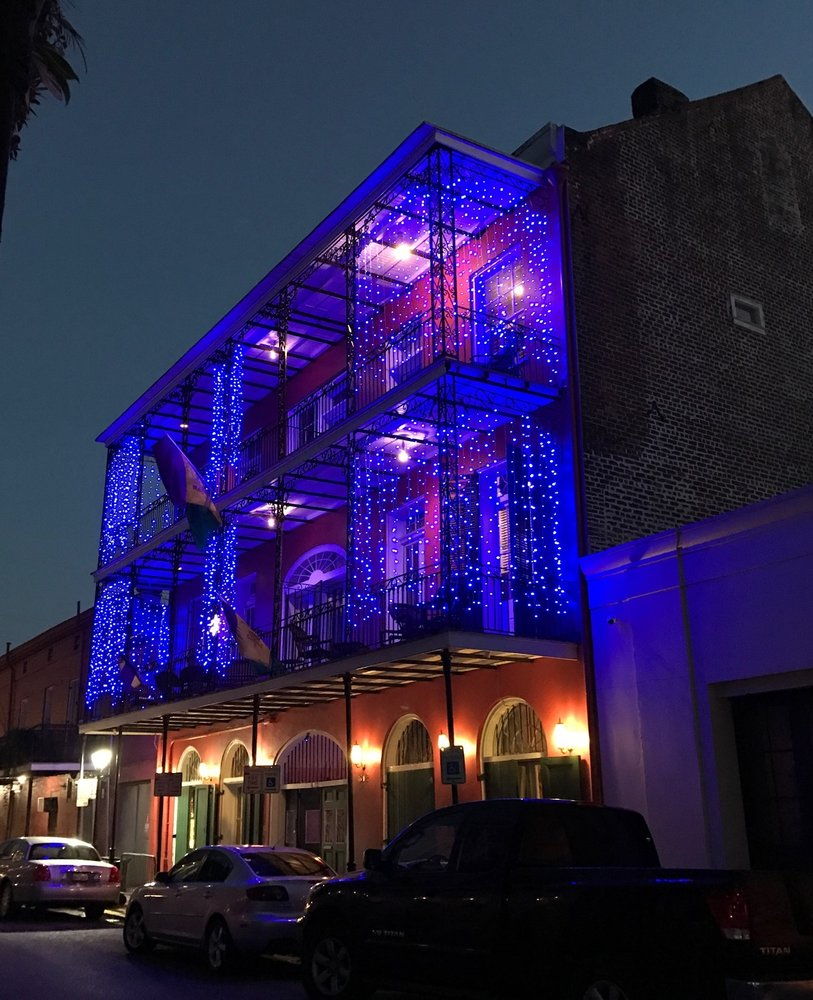 French Quarters Apartments: St. Philip French Quarter Apts
