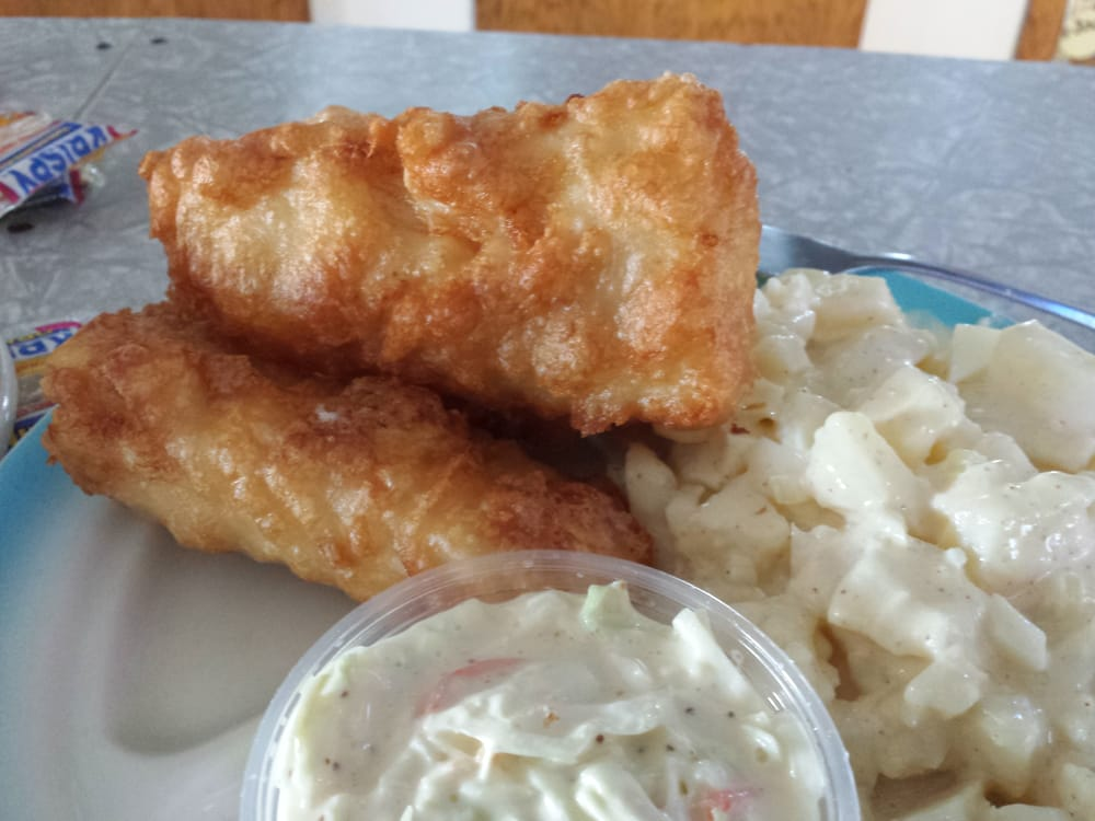 Kizzy & Sue's Bar and Grill: 5788 Main St, Auburndale, WI