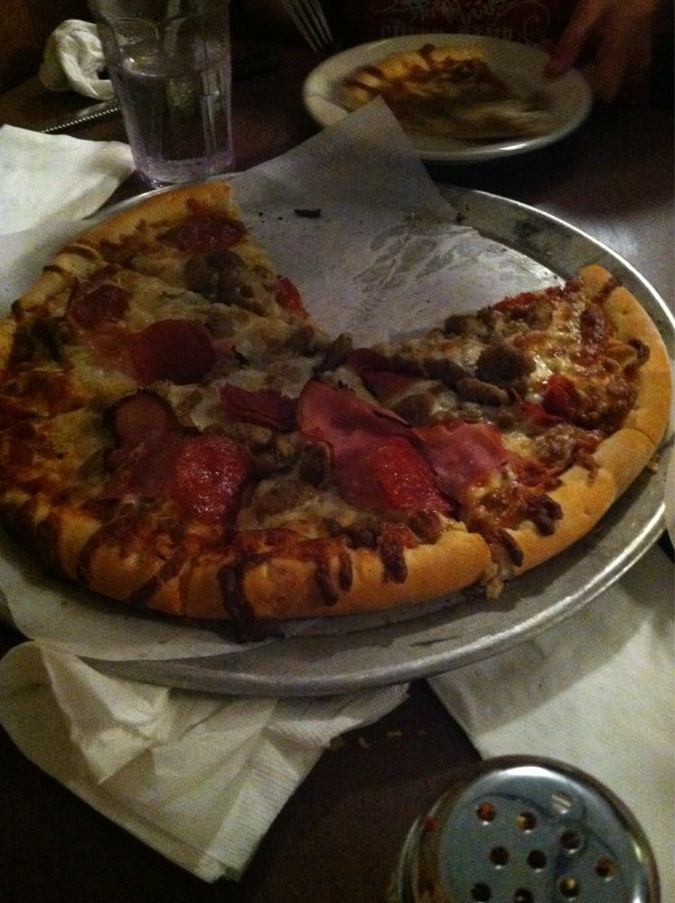 A & G Pizza & Steak House: 211 W Adams St, Creston, IA