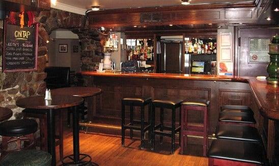 Hunt Pub At Hogan's Inn