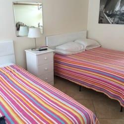 sea shell motel hotels 19 winnapaug rd westerly ri. Black Bedroom Furniture Sets. Home Design Ideas