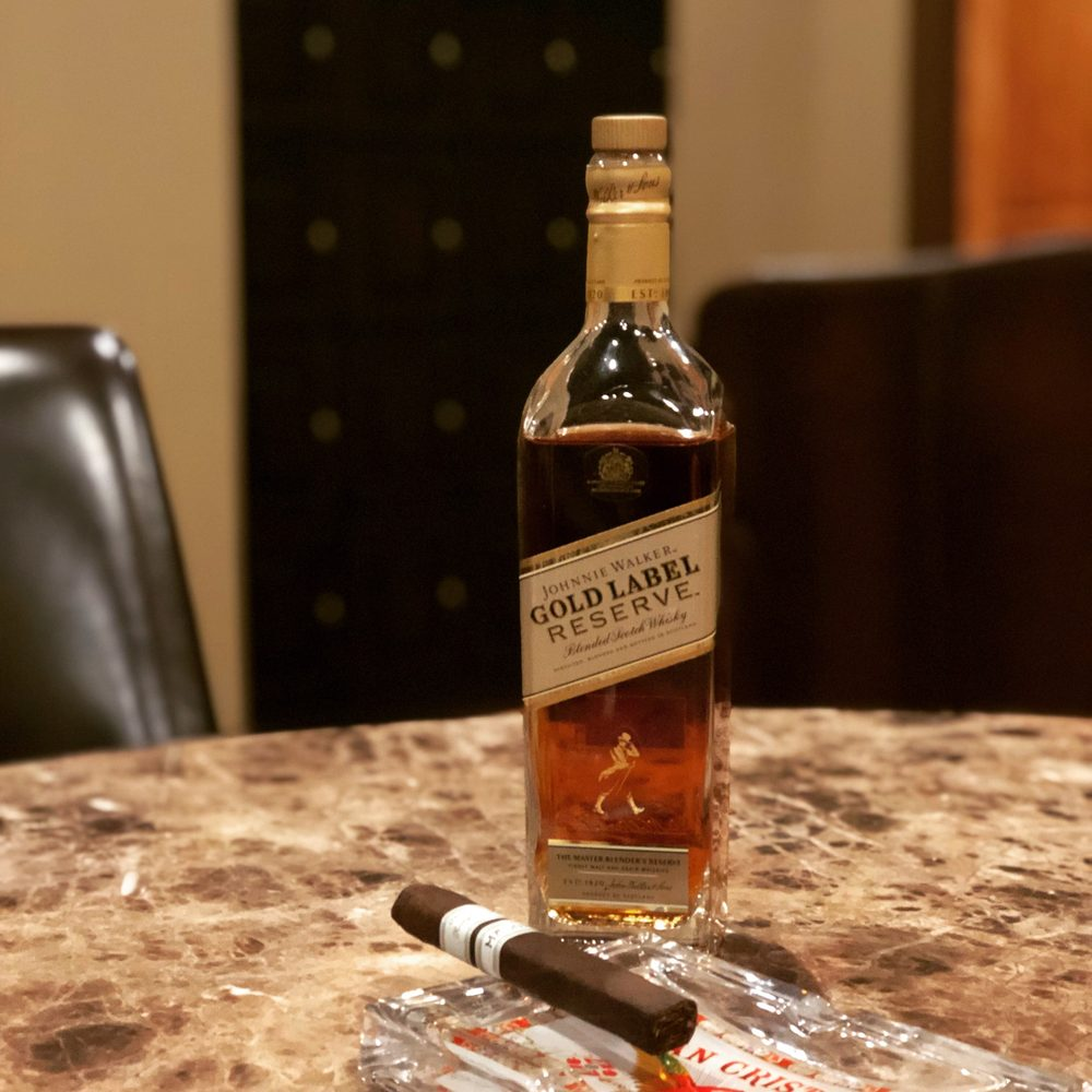 Downtown Cigar Company: 159 E Pearl St, Jackson, MS