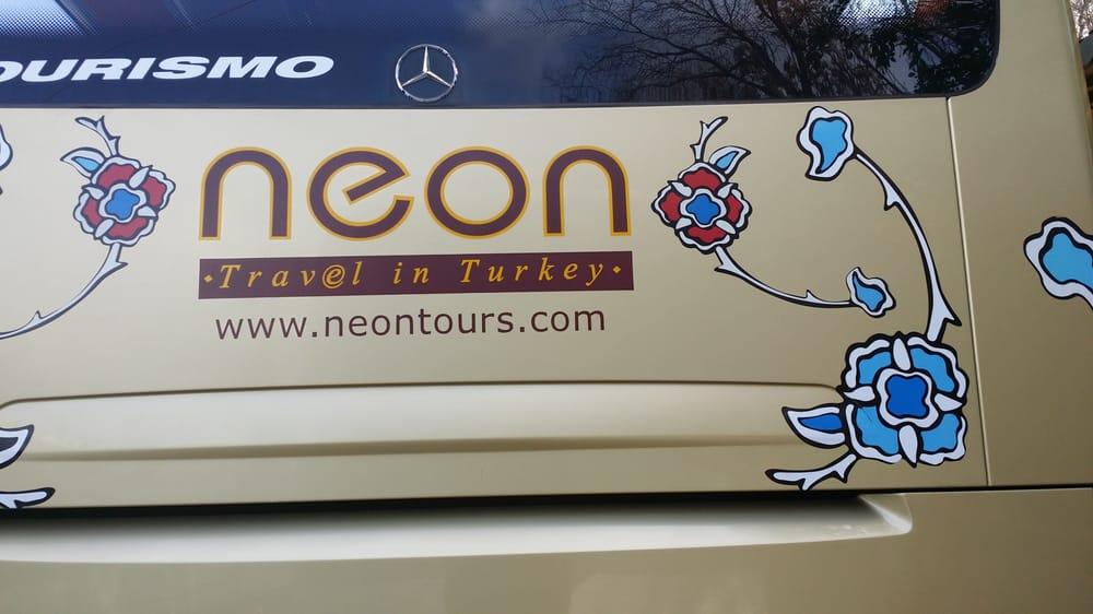 Neon Tur