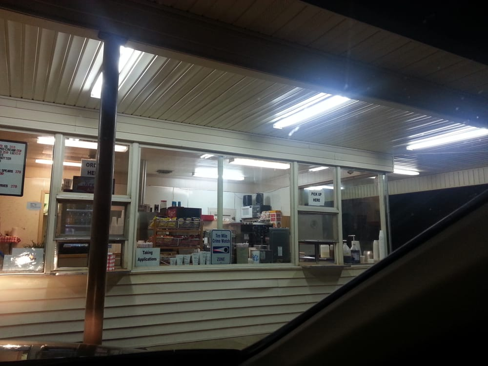 Kream Kastle Drive Inn: 15922 Highway 70, Benton, AR