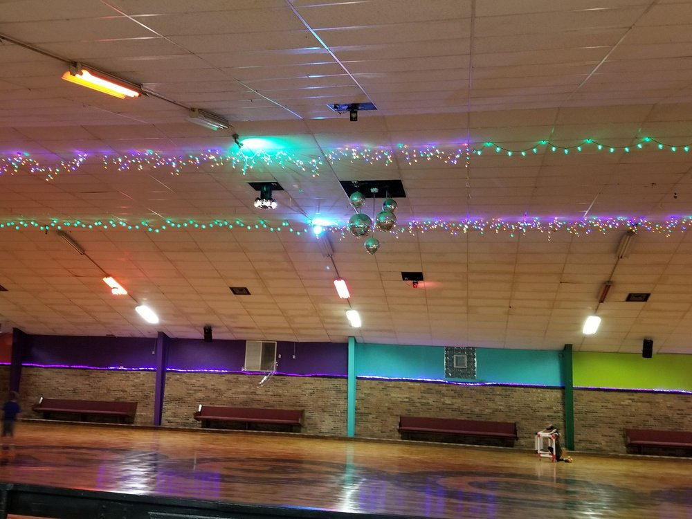 Reca Roller Rink: 11 Viewpoint Dr, Alexandria, KY