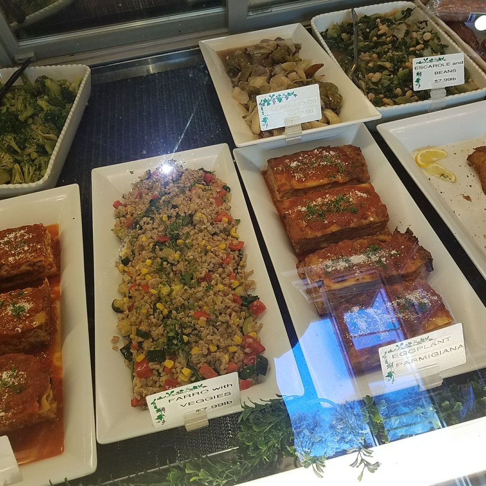 Insalata & Pomidoro: 111 Bedford Rd, Armonk, NY