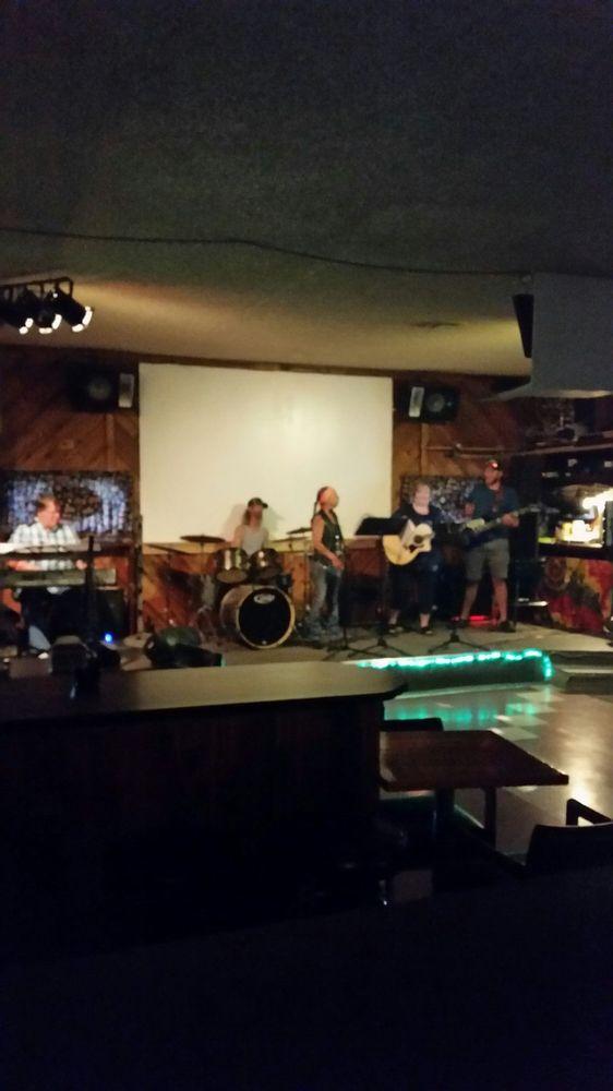 Linger Longer Lounge: 6262 W Maine St, Spirit Lake, ID