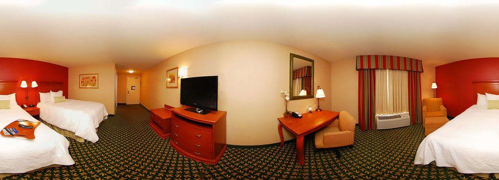 Hampton Inn & Suites Casper: 1100 N Poplar Rd, Casper, WY
