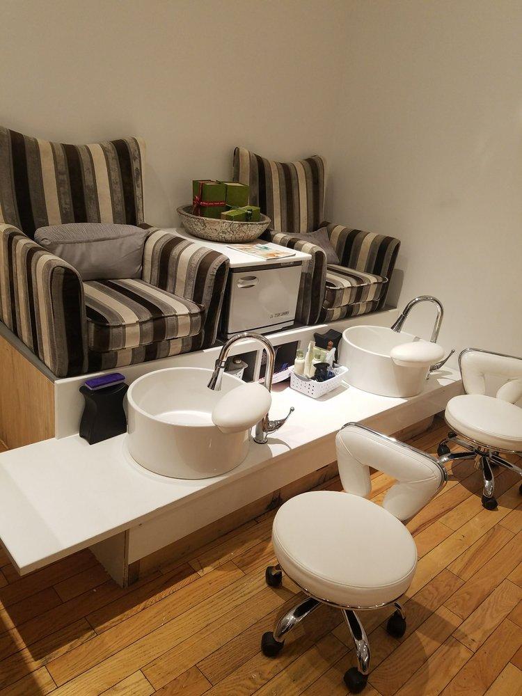 Wayne Agassis Salon And Spa