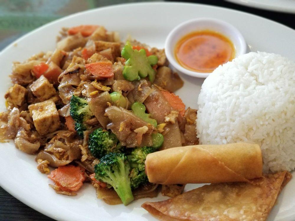 Thai Aree: 8234 Norwalk Blvd, Whittier, CA