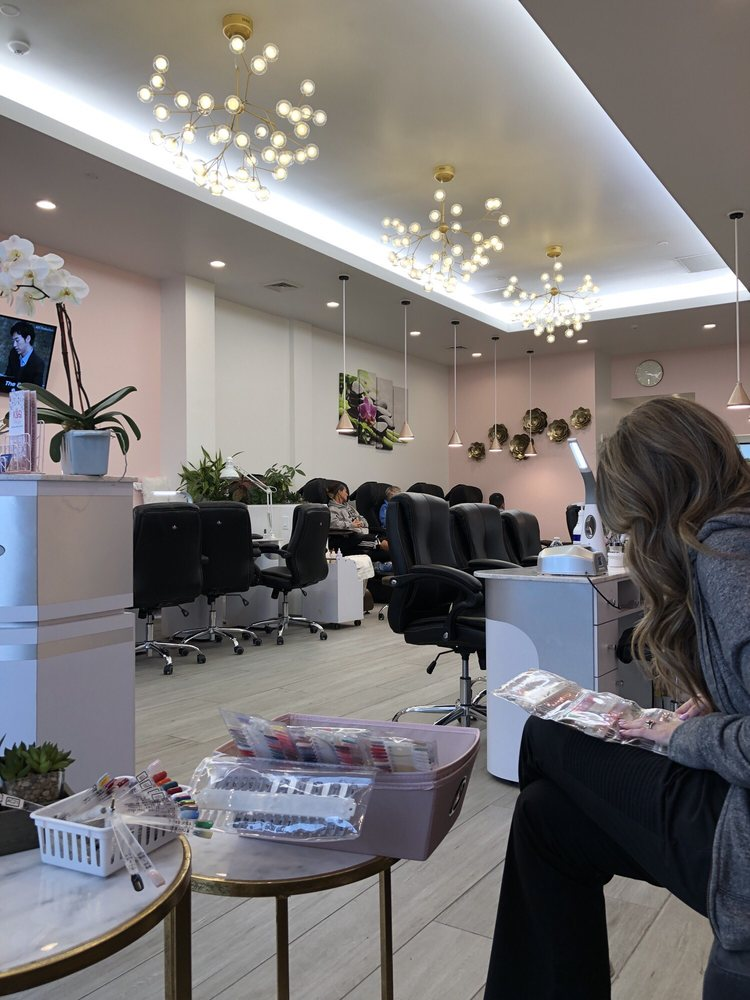 K&Q Nail Bar: 586 N 900th W, American Fork, UT
