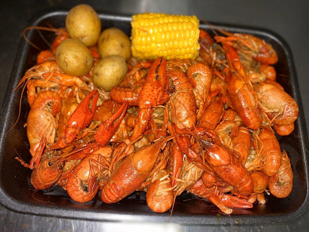 The Crawfish Hot Tub: 218 E Milton Ave, Lafayette, LA