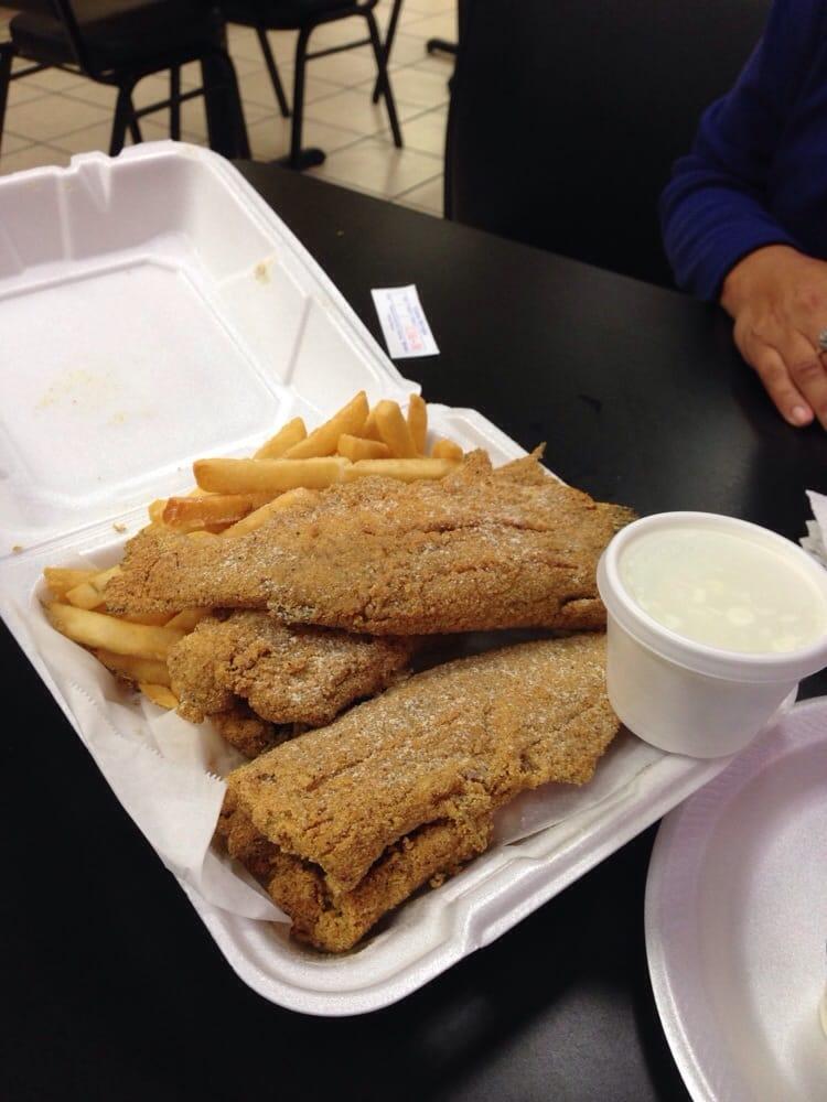 Shark s fish chicken chicago style alette di pollo for Sharks fish chicken chicago il