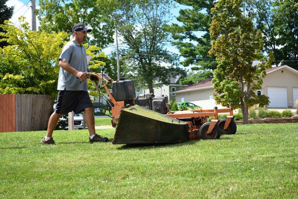 Wisconsin Lawn Care Company: 502 W Chapel St, Dodgeville, WI