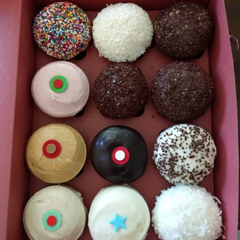 how much is a dozen cupcakes at sprinkles