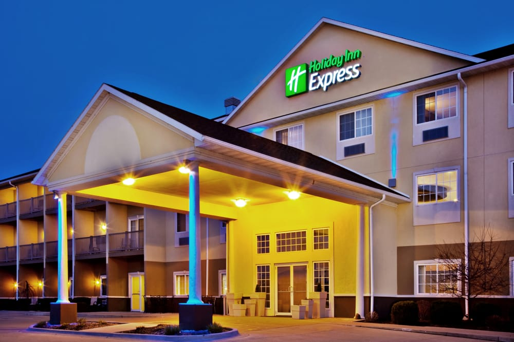Holiday Inn Express Le Claire Riverfront-Davenport: 1201 Canal Shore Dr SW, Le Claire, IA