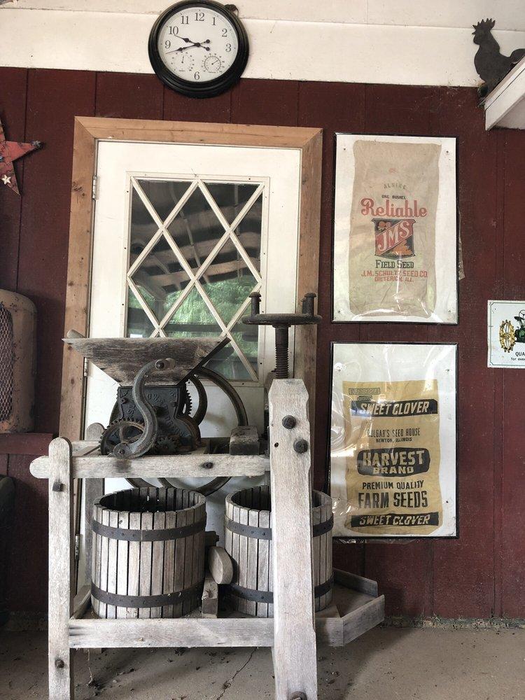 Grissom Lost Creek Orchard: 680 Il Rt 130, Greenup, IL