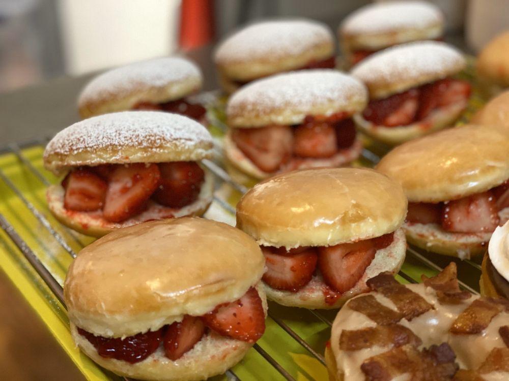 Master Doughnut: 4450 S Hwy 27, Somerset, KY