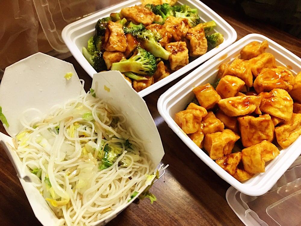Main Moon Chinese Food 22 Reviews Chinese 108 Main