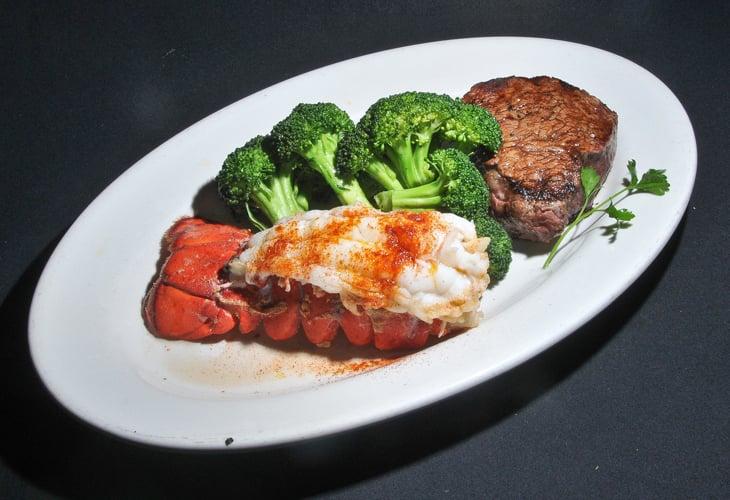 Carvers Steaks & Seafood: 10720 Holiday Park Dr, Sandy, UT