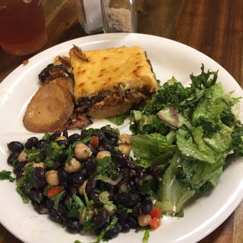 Let us cater your coroporate luncheon! by Neomonde Cafe Market #Neomonde # Raleigh #Catering #wedding #birthday #party #food #wine #healthy #platte…