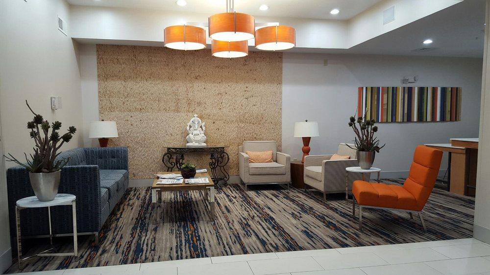 Holiday Inn Express & Suites Alamogordo: 100 Kerry Ave, Alamogordo, NM