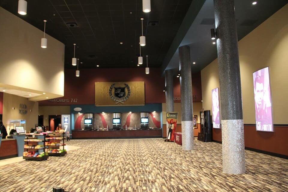 B&B Theatres: 100 Wentzville Bluffs Dr, Wentzville, MO