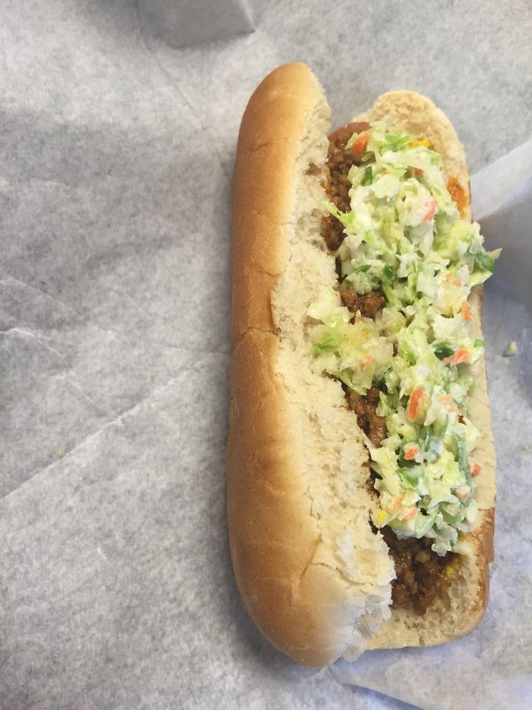 Snow's Sandwich Shop: 702 Memorial Blvd S, Martinsville, VA