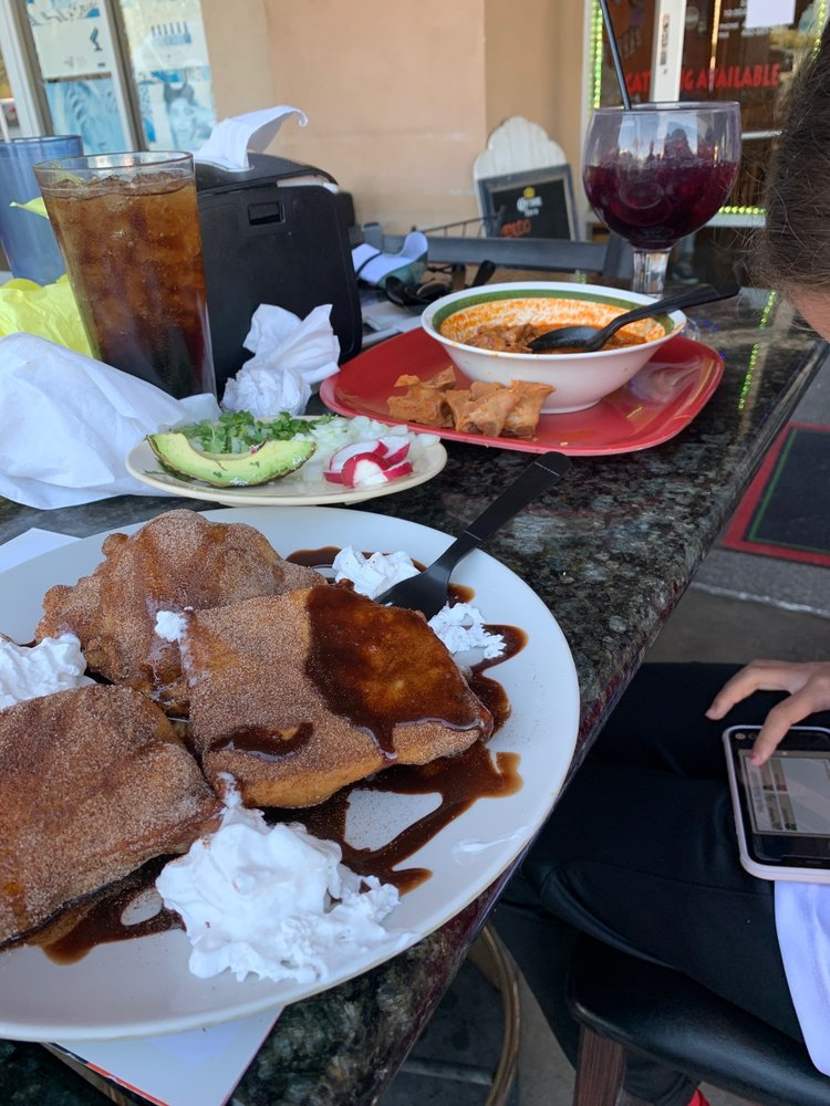 Las Chabelas Restaurant: 749 S Brawley Ave, Brawley, CA