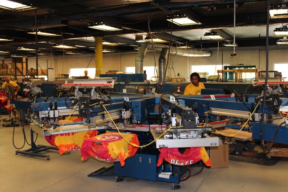 Lowegear printing 54 photos screen printing t shirt for Tampa t shirt printing