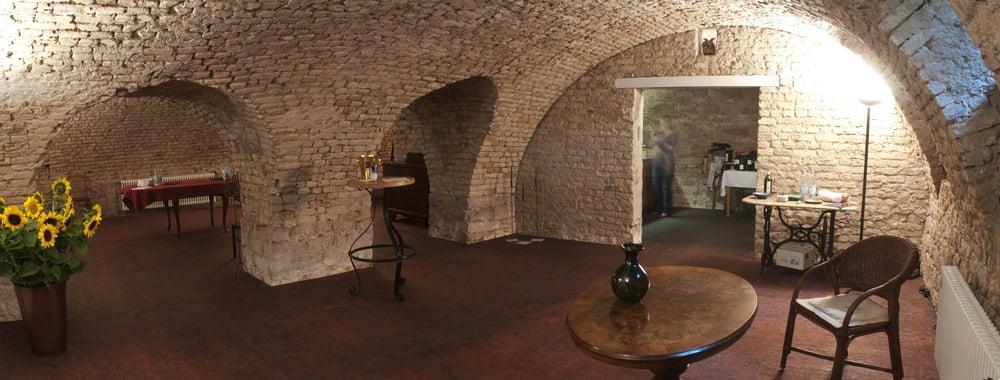 historischer weinkeller mannheim continuing education h7 16 mannheim baden w rttemberg. Black Bedroom Furniture Sets. Home Design Ideas