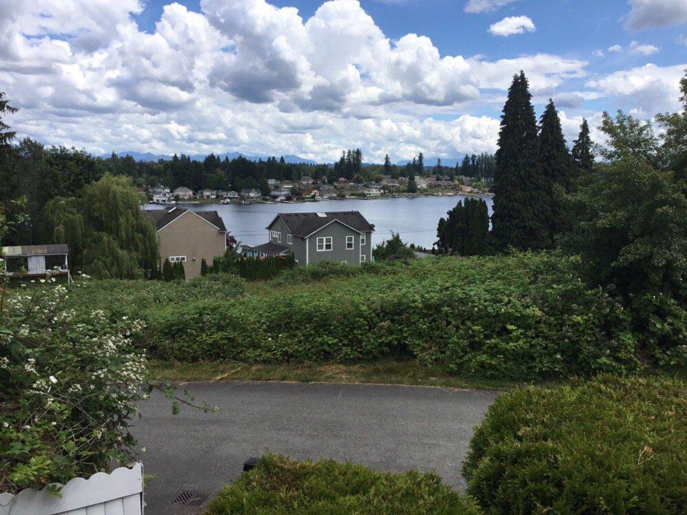 Mansion Inn Lake Stevens: 1513 Mitchell Rd, Lake Stevens, WA