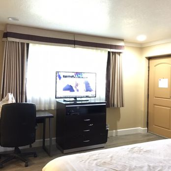 econo lodge inn suites near legoland 58 photos 69 reviews rh yelp com